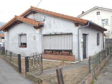 Casa en Los Corrales de Buelna