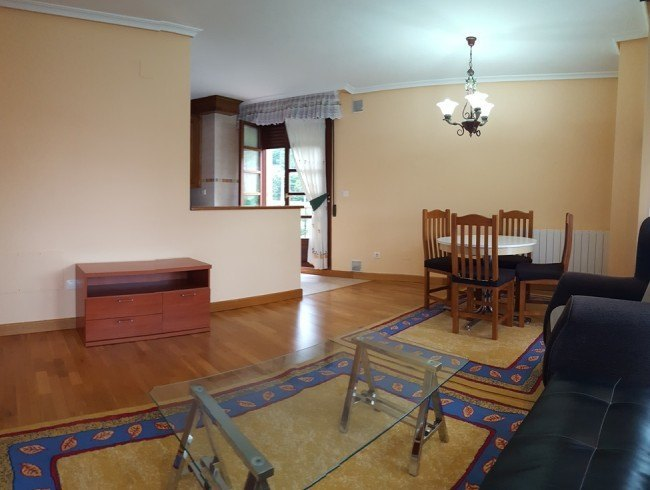 Piso en alquiler en Cartes con 3 habitaciones, 2 baños y 106 m2 por 500 €/mes