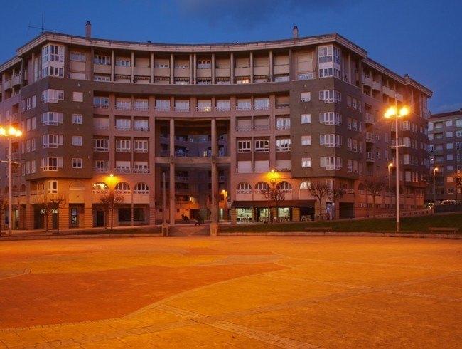 Piso en venta en Torrelavega con 2 habitaciones, 1 baños y 72 m2 por 85.000 €