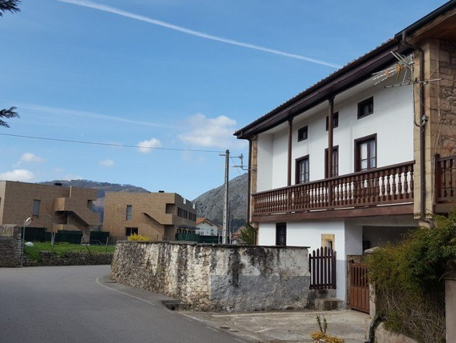Casa en venta en San Felices de Buelna con 5 habitaciones, 1 baños y 287 m2 por 89.900 €