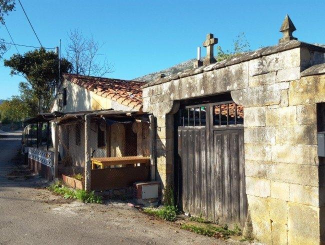 Casa en venta en San Felices de Buelna con 371 m2 por 80.000 €