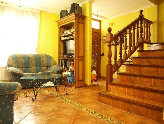 Chalet en venta en Los Corrales de Buelna con 3 habitaciones, 1 baños y 141 m2 por 130.000 €