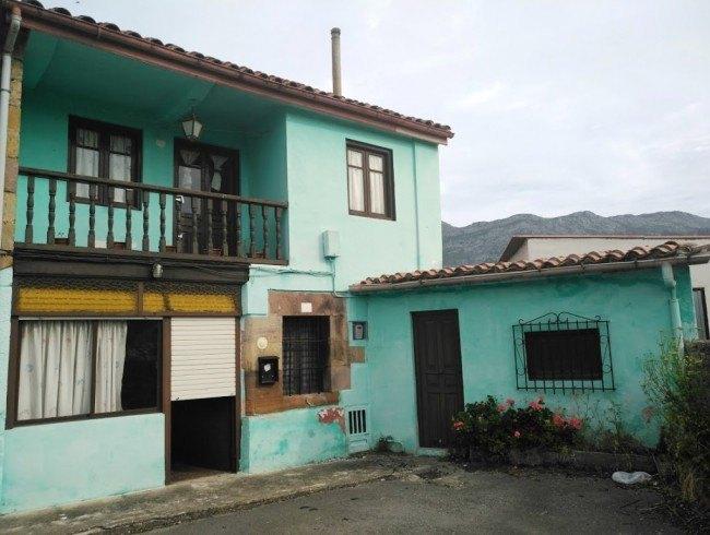 Casa en venta en San Felices de Buelna con 4 habitaciones, 1 baños y 214 m2 por 43.000 €