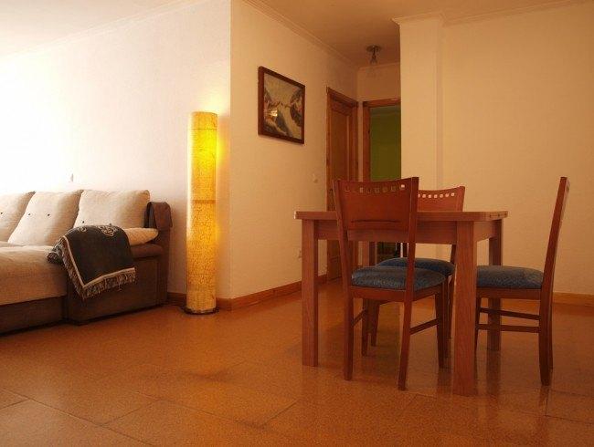 Piso en venta en Los Corrales de Buelna con 2 habitaciones, 1 baños y 71 m2 por 60.000 €