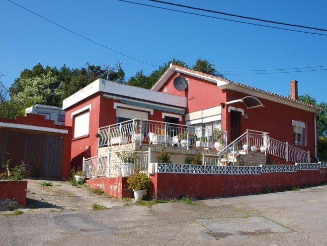 Casa en venta en Cudón con 3 habitaciones, 1 baños y 108 m2 por 95.000 €