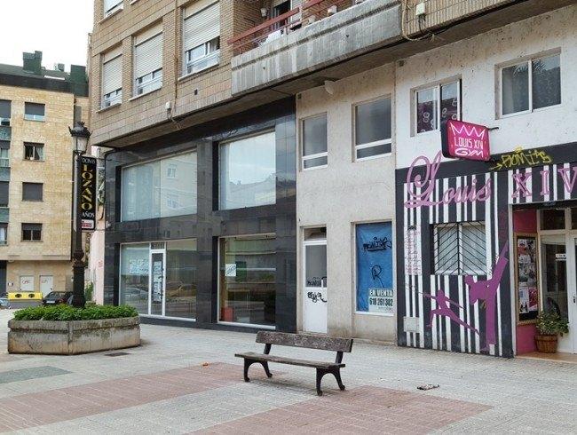 Local comercial en venta en Torrelavega con 1 baños y 98 m2 por 45.000 €