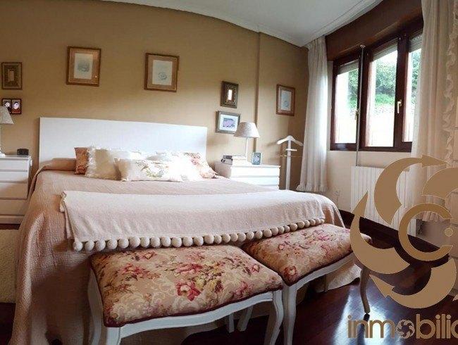 Chalet en venta en Los Corrales de Buelna con 4 habitaciones, 1 baños y 194 m2 por 190.000 €