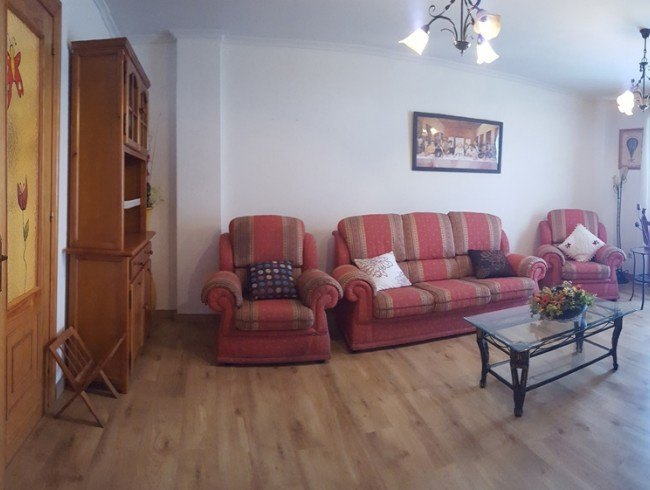 Piso en venta en Los Corrales de Buelna con 3 habitaciones, 2 baños y 95 m2 por 90.000 €