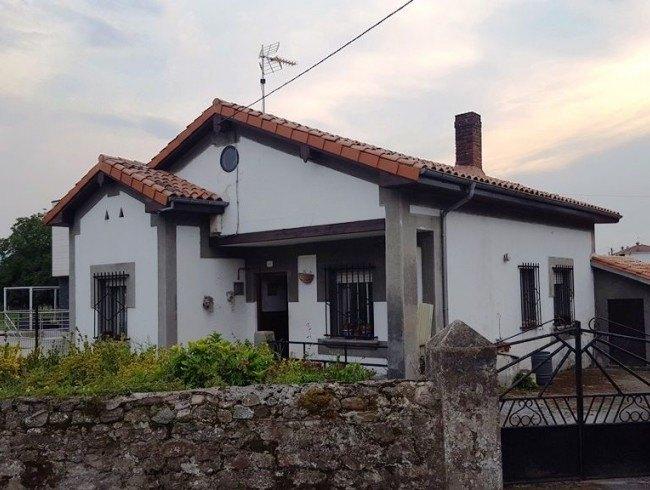 Casa en venta en San Felices de Buelna con 3 habitaciones, 1 baños y 74 m2 por 120.000 €