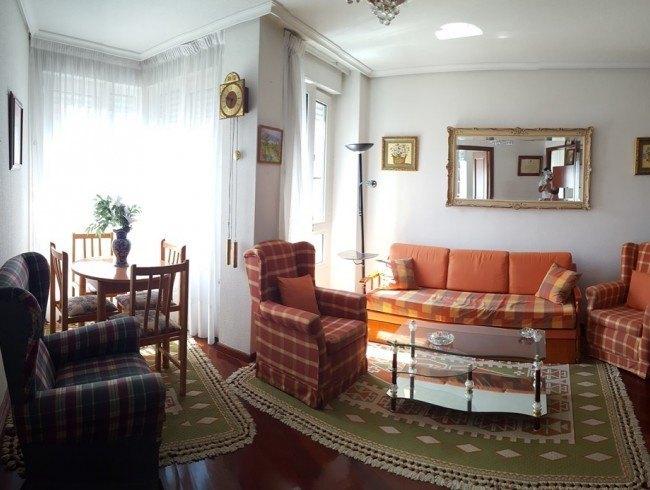 Piso en venta en Los Corrales de Buelna con 2 habitaciones, 1 baños y 54 m2 por 92.000 €