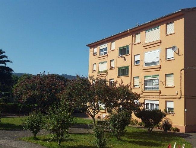 Piso en venta en Los Corrales de Buelna con 2 habitaciones, 1 baños y 60 m2 por 27.000 €