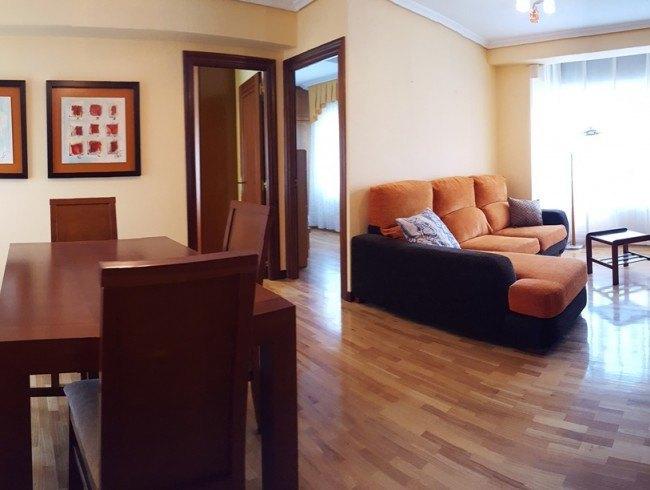 Piso en venta en Torrelavega con 2 habitaciones, 1 baños y 73 m2 por 75.000 €