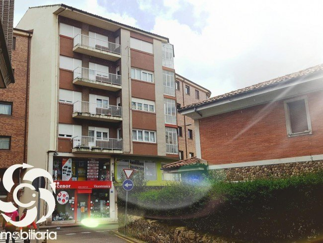 Piso en venta en Los Corrales de Buelna con 4 habitaciones, 1 baños y 149 m2 por 95.000 €