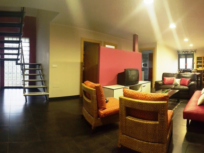 Chalet en venta en San Felices de Buelna con 4 habitaciones, 5 baños y 235 m2 por 350.000 €