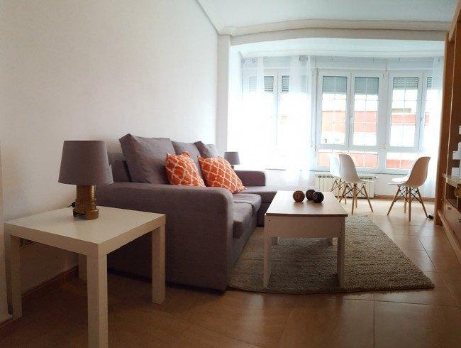 Piso en alquiler en Los Corrales de Buelna con 3 habitaciones, 1 baños y 104 m2 por 390 €/mes