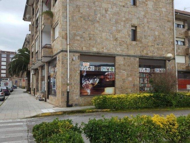 Local comercial en alquiler en Los Corrales de Buelna con 55 m2 por 300 €/mes