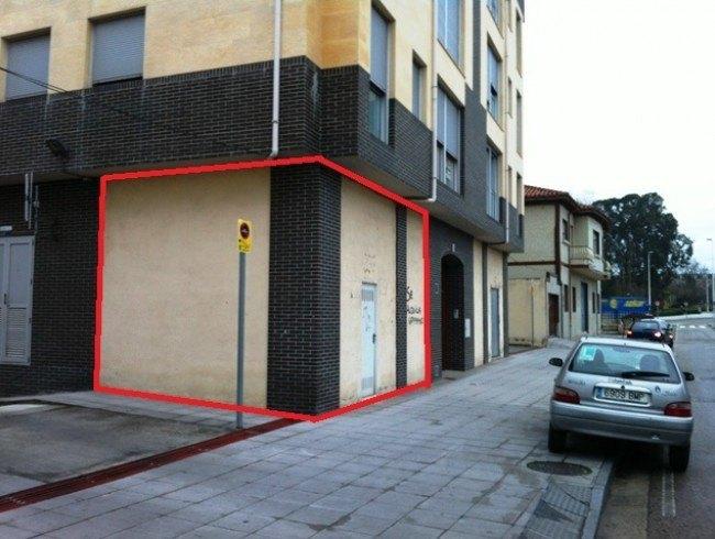 Local comercial en alquiler en Torrelavega con 23 m2 por 250 €/mes