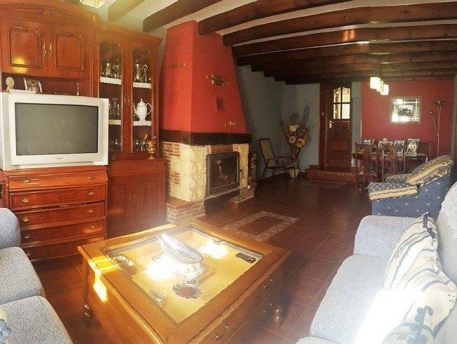 Casa en venta en Collado de cieza con 3 habitaciones, 1 baños y 180 m2 por 95.000 €