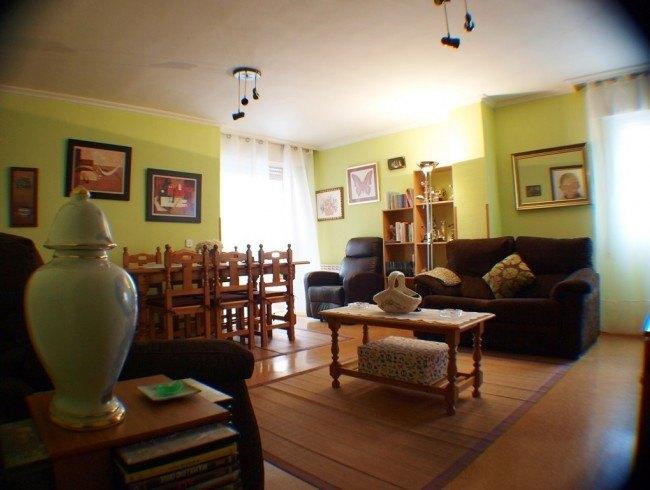 Piso en venta en Los Corrales de Buelna con 2 habitaciones, 1 baños y 89 m2 por 67.000 €