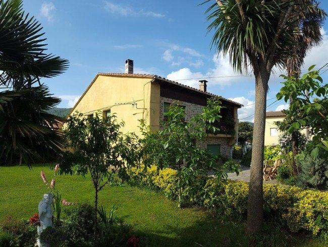Casa en venta en San Felices de Buelna con 6 habitaciones, 1 baños y 320 m2 por 145.000 €