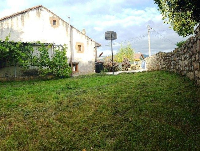Casa en venta en Molledo con 3 habitaciones, 1 baños y 252 m2 por 75.000 €