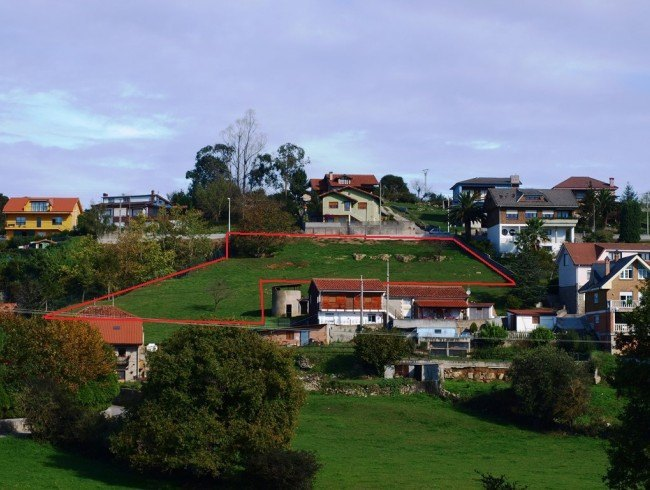 Terreno urbano en venta en Reocín por 180.000 €