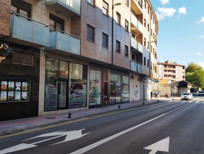 Local comercial en alquiler en Los Corrales de Buelna con 78 m2 por -1 €/mes