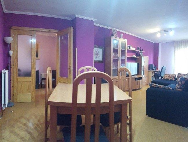 Piso en venta en Los Corrales de Buelna con 2 habitaciones y 1 baños por 69.000 €