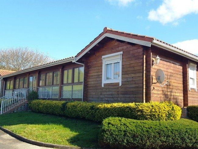 Casa en venta en Molledo con 4 habitaciones, 3 baños y 197 m2 por 235.000 €