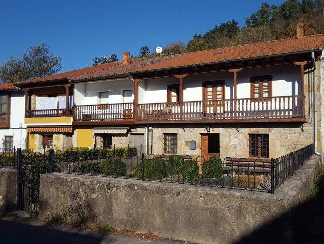 Casa en venta en Molledo con 3 habitaciones, 1 baños y 300 m2 por 95.000 €