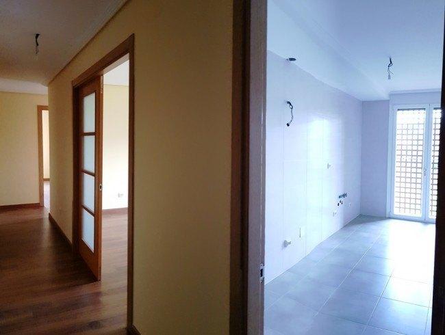 Piso en venta en Los Corrales de Buelna con 3 habitaciones, 1 baños y 81 m2 por 120.000 €