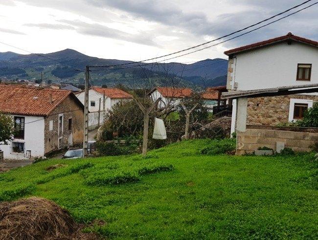 Casa en venta en San Felices de Buelna con 4 habitaciones, 1 baños y 200 m2 por 39.000 €