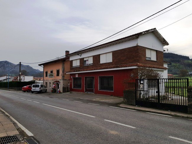 Casa en venta en San Felices de Buelna con 3 habitaciones, 1 baños y 173 m2 por 110.000 €