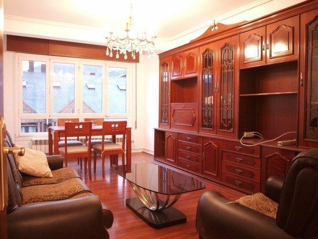 Piso en venta en Los Corrales de Buelna con 3 habitaciones, 1 baños y 97 m2 por 100.000 €