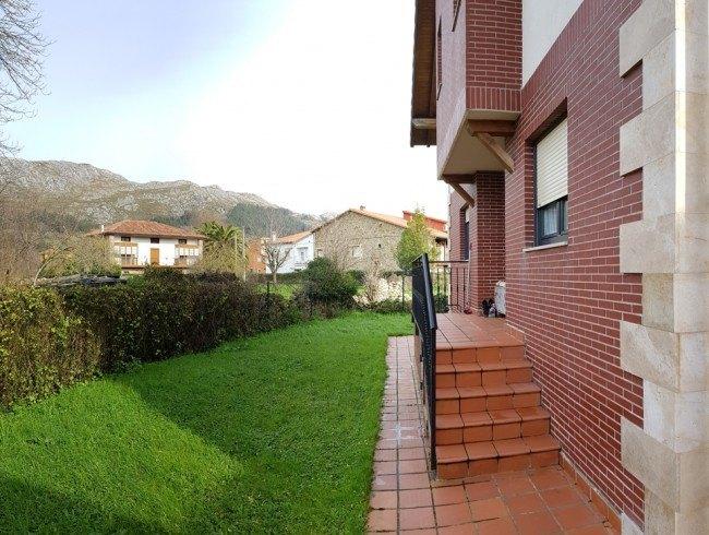 Chalet en venta en San Felices de Buelna con 3 habitaciones, 2 baños y 150 m2 por 154.000 €