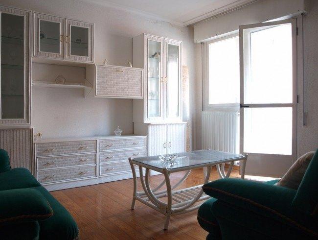 Piso en venta en Los Corrales de Buelna con 3 habitaciones, 2 baños y 98 m2 por 84.000 €