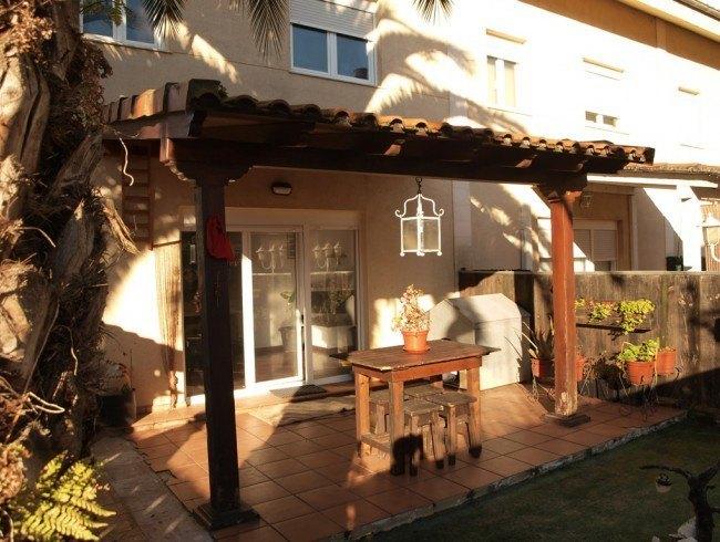 Chalet en venta en Reocín con 2 habitaciones, 2 baños y 191 m2 por 178.000 €