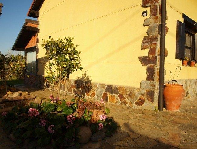 Casa en venta en Polanco con 4 habitaciones, 2 baños y 251 m2 por 245.000 €