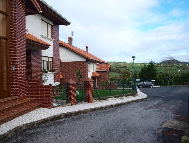 Piso en alquiler op. compra en Reocín con 3 habitaciones, 2 baños y 110 m2 por 500 €/mes