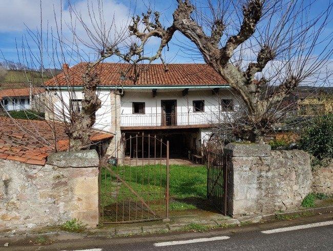 Casa en venta en Cieza con 3 habitaciones, 1 baños y 651 m2 por 80.000 €