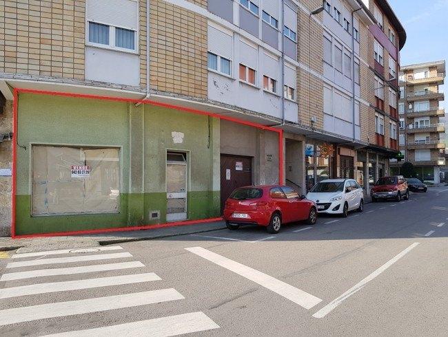 Local comercial en venta en Los Corrales de Buelna con 94 m2 por 55.000 €