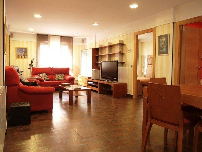 Piso en venta en Torrelavega con 2 habitaciones, 1 baños y 89 m2 por 115.000 €