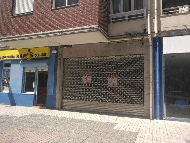 Local comercial en alquiler en Los Corrales de Buelna con 41 m2 por 400 €/mes