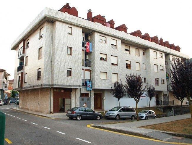 Piso en venta en Cartes con 2 habitaciones, 1 baños y 73 m2 por 75.000 €