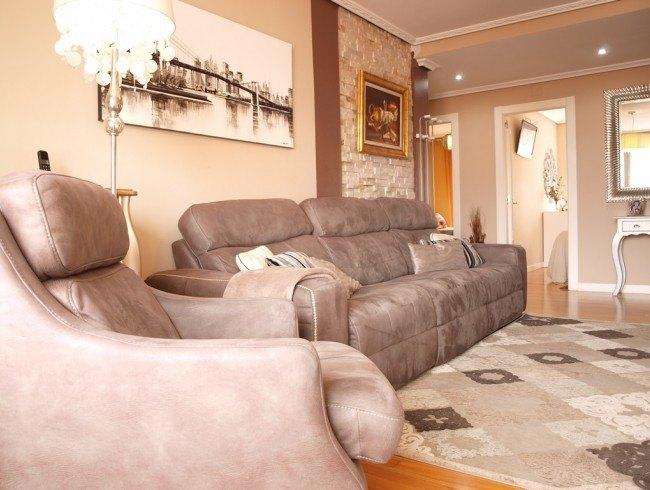 Piso en venta en Los Corrales de Buelna con 3 habitaciones, 1 baños y 100 m2 por 136.000 €