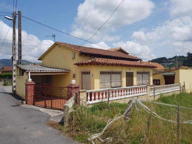 Casa en venta en Los Corrales de Buelna con 2 habitaciones, 1 baños y 63 m2 por 100.000 €