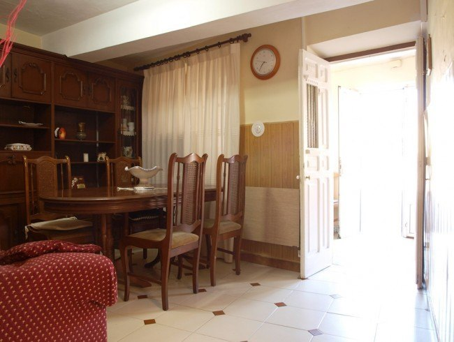 Casa en venta en San Felices de Buelna con 4 habitaciones, 2 baños y 229 m2 por 98.500 €