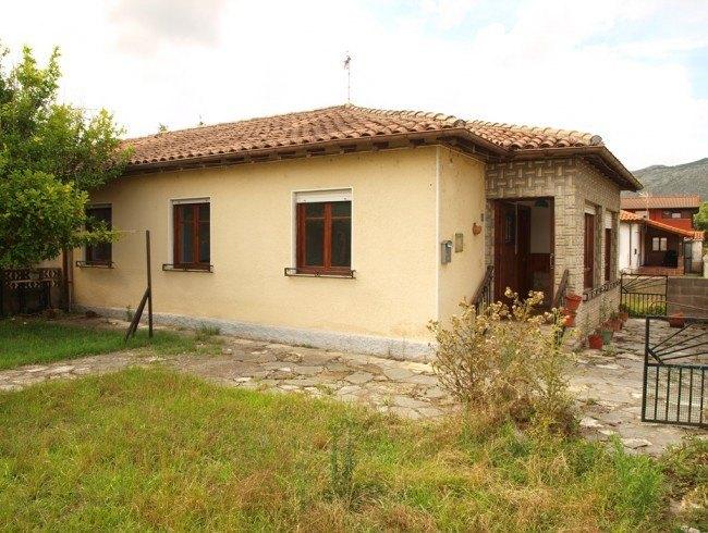 Casa en venta en Los Corrales de Buelna con 3 habitaciones, 1 baños y 73 m2 por 115.000 €