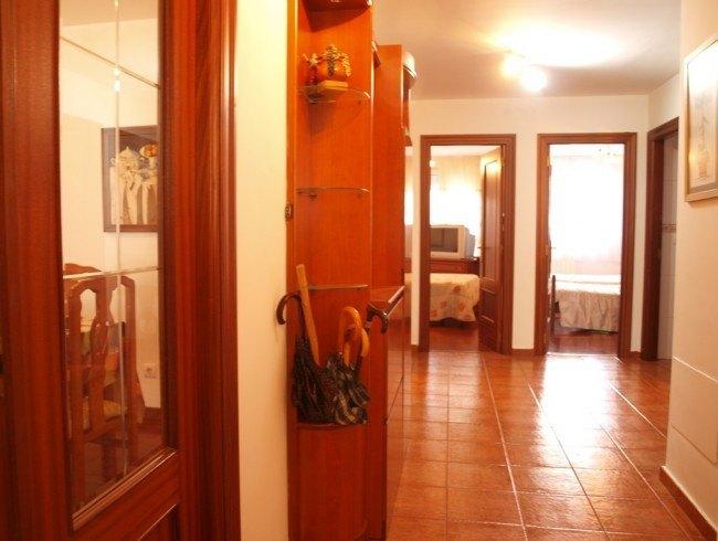 Piso en venta en Los Corrales de Buelna con 3 habitaciones, 2 baños y 101 m2 por 110.000 €