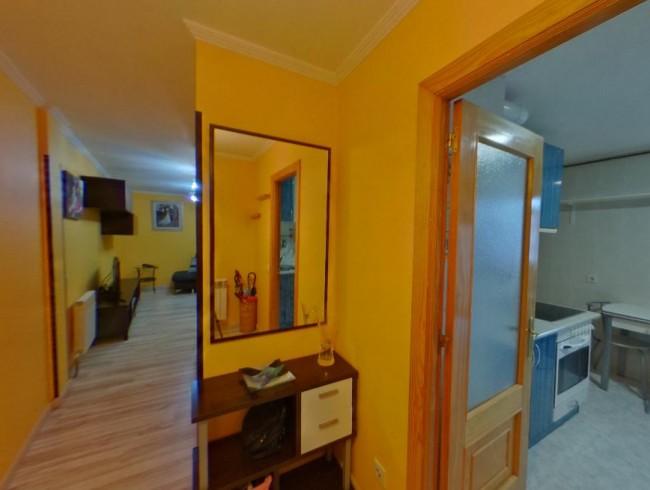 Piso en venta en Los Corrales de Buelna con 3 habitaciones, 1 baños y 89 m2 por 73.000 €
